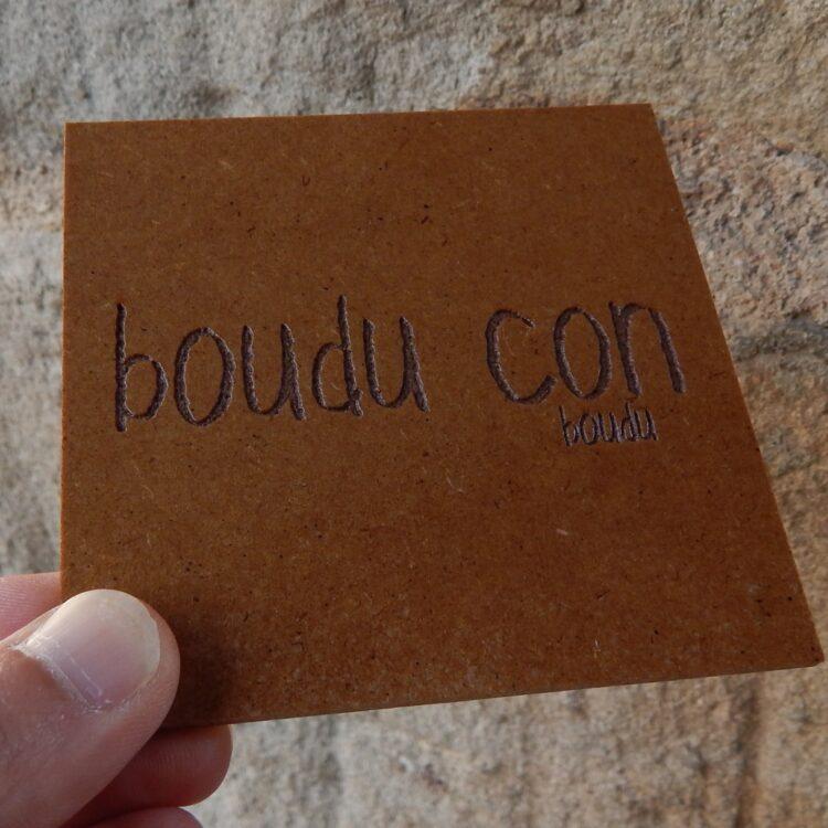 """Sous-verre boudu bois """"boudu con"""""""