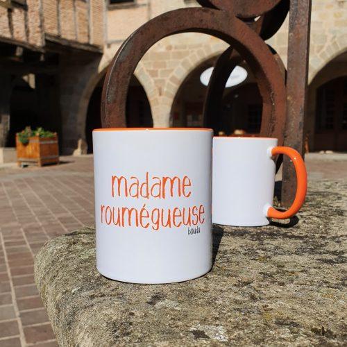"Tasse bicolore boudu ""madame roumègueuse"""